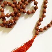 MALA   Sanskrit:माला; mālā, meaning 'garland' The main body of a mala is usually 108 beads, though other numbers are also used. In addition, there is often a 109th bead (often of a distinctive size or colour) and/or tassle and sometimes there are additional beads which may be decorative or used for counting rounds. Malas are used for keeping count while reciting, chanting, or mentally repeating a mantra or the name or names of a deity.   Our collection of hand knotted precious stone Mala beads come from India, ethically sourced by manufacturing companies that provide safe and sustainable work environments for local artisans.    Our Mala Beads are now available in our Montreal based shop and our online boutique!   Take advantage of the last day of our Spring Promo Code >>> Printemps14<<< To save 14% on site wide sales of $50.00 and more!               #orientalmontreal #japamala #malabeads #rosary #prayerbeads #meditation #meditationpractice #108 #chapelet #colliermala #wellnessmontreal #montrealyoga #yogamontreal #amethyst #rosequartz #lapiz #lavastone #promocode #cangift @cangift